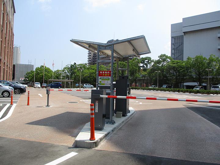 茂里町駐車場1